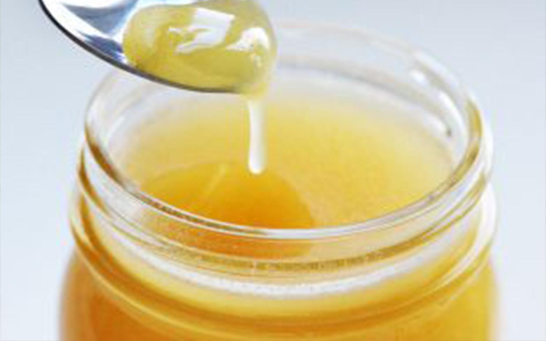 Cum recunoașteți mierea naturală de albine?