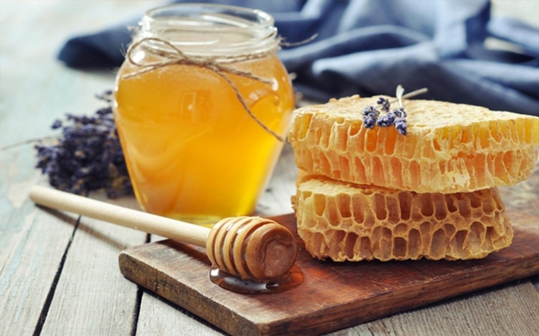 5 rețete de amestecuri cu miere împotriva stresului
